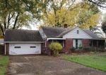 Foreclosed Home en E BROAD ST, Elyria, OH - 44035