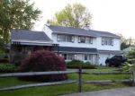Foreclosed Home en MIDWAY LN, Bristol, PA - 19007