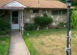 Foreclosed Home en LAUREL DR, Bristol, PA - 19007