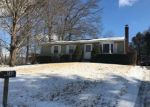 Foreclosed Home en OAK HILL DR, Willimantic, CT - 06226