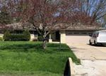Foreclosed Home en W RADISSON DR, New Berlin, WI - 53151
