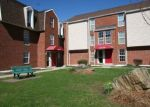 Foreclosed Home en HEATHER RDG, Shelton, CT - 06484