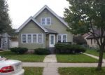 Foreclosed Home en N 75TH ST, Milwaukee, WI - 53210