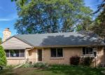 Foreclosed Home en W MALL RD, Milwaukee, WI - 53217