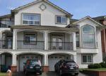Foreclosed Home en HIGHLAND DR SE, Auburn, WA - 98092