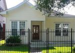 Foreclosed Home en COLUMBIA ST, Houston, TX - 77008