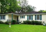Foreclosed Home en CARRELL ST, Tomball, TX - 77375