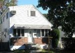 Foreclosed Home en RIVERSIDE DR, Wantagh, NY - 11793