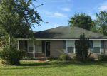 Foreclosed Home en W 13TH AVE, Hilliard, FL - 32046