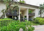 Foreclosed Home en LYONS AVE, Valencia, CA - 91355