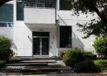 Foreclosed Home en CHATHAM LN, Houston, TX - 77027