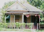 Foreclosed Home en CHAPMAN ST, Houston, TX - 77009