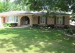 Foreclosed Home in SURFSIDE DR, Utica, MI - 48316
