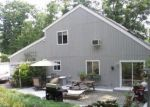 Foreclosed Home en CANDLEWOOD LN, Mount Pocono, PA - 18344