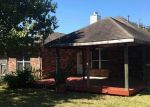 Foreclosed Home in BRISTOL BEND LN, Dickinson, TX - 77539