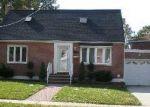 Foreclosed Home en HILLSIDE AVE, Valley Stream, NY - 11580