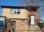 Foreclosed Home en ELM ST, Freeport, NY - 11520