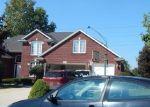 Foreclosed Home en VINTAGE LN, Macomb, MI - 48044