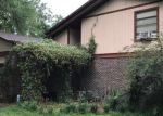 Foreclosed Home en MOSSY ROCK CIR, Jacksonville, FL - 32244