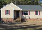 Foreclosed Home en CROUCHES RD, Bruington, VA - 23023