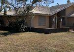 Foreclosed Home en PALMETTO DUNES CIR, Naples, FL - 34113