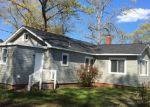 Foreclosed Home en CHEROKEE RD, Hampton, VA - 23661