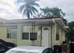 Foreclosed Home en E 28TH ST, Hialeah, FL - 33013