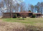 Foreclosed Home en CRESCENT HILL DR, Evington, VA - 24550