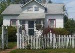 Foreclosed Home en ROSLYN ST, Islip Terrace, NY - 11752