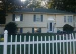 Foreclosed Home en LEXINGTON RD, Shirley, NY - 11967