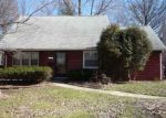 Foreclosed Home en CHATWORTH DR, Euclid, OH - 44117