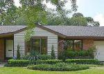 Foreclosed Home en MULLINS DR, Houston, TX - 77035