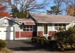 Foreclosed Home en COMUS RD, Rocky Point, NY - 11778