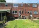 Foreclosed Home en FOXCHASE LN, Essex, MD - 21221