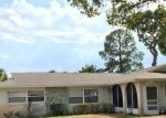 Foreclosed Home en OLEANDER DR, Tarpon Springs, FL - 34689