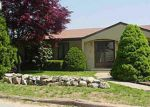 Foreclosed Home en VERA ST, Cranston, RI - 02920