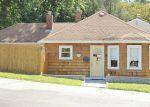 Foreclosed Home en PAVILION AVE, Cranston, RI - 02920
