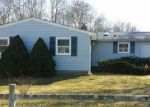 Foreclosed Home en BAYWOOD DR, Shirley, NY - 11967