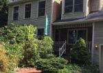 Foreclosed Home en MIDDLE HWY, Barrington, RI - 02806