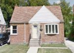 Foreclosed Home en FREDERICK AVE, Bellwood, IL - 60104