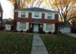 Foreclosed Home en BERKSHIRE RD, Grosse Pointe, MI - 48230