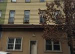 Foreclosed Home en SUMMIT AVE, Jersey City, NJ - 07307