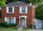 Foreclosed Home en MOROSS RD, Grosse Pointe, MI - 48236