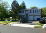 Foreclosed Home en WINDING RIVER RD, Brick, NJ - 08724