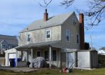 Foreclosed Home en REVERE AVE, West Warwick, RI - 02893