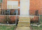 Foreclosed Home en GLENHUNT RD, Baltimore, MD - 21229