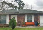 Foreclosed Home en PHYLLIS DR, Westwego, LA - 70094