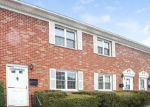 Foreclosed Home en WARDWELL ST, Stamford, CT - 06902