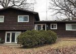 Foreclosed Home en SALEM BLVD, Zion, IL - 60099
