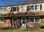 Foreclosed Home en KENMAR DR, Woodbridge, VA - 22193